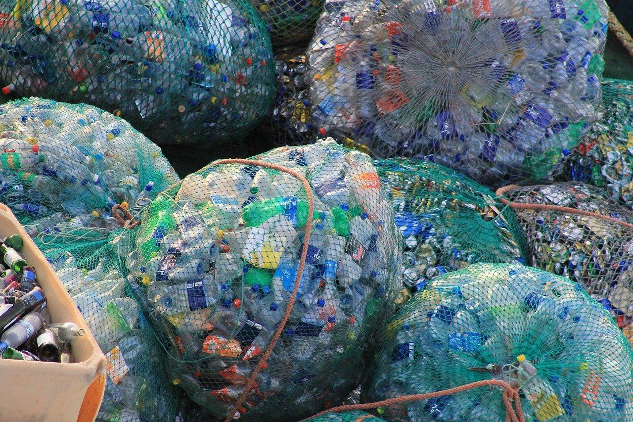 plastic, bottles, garbage-631625.jpg